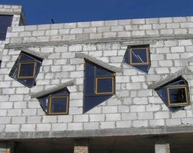 Construction Fail - Windows shape